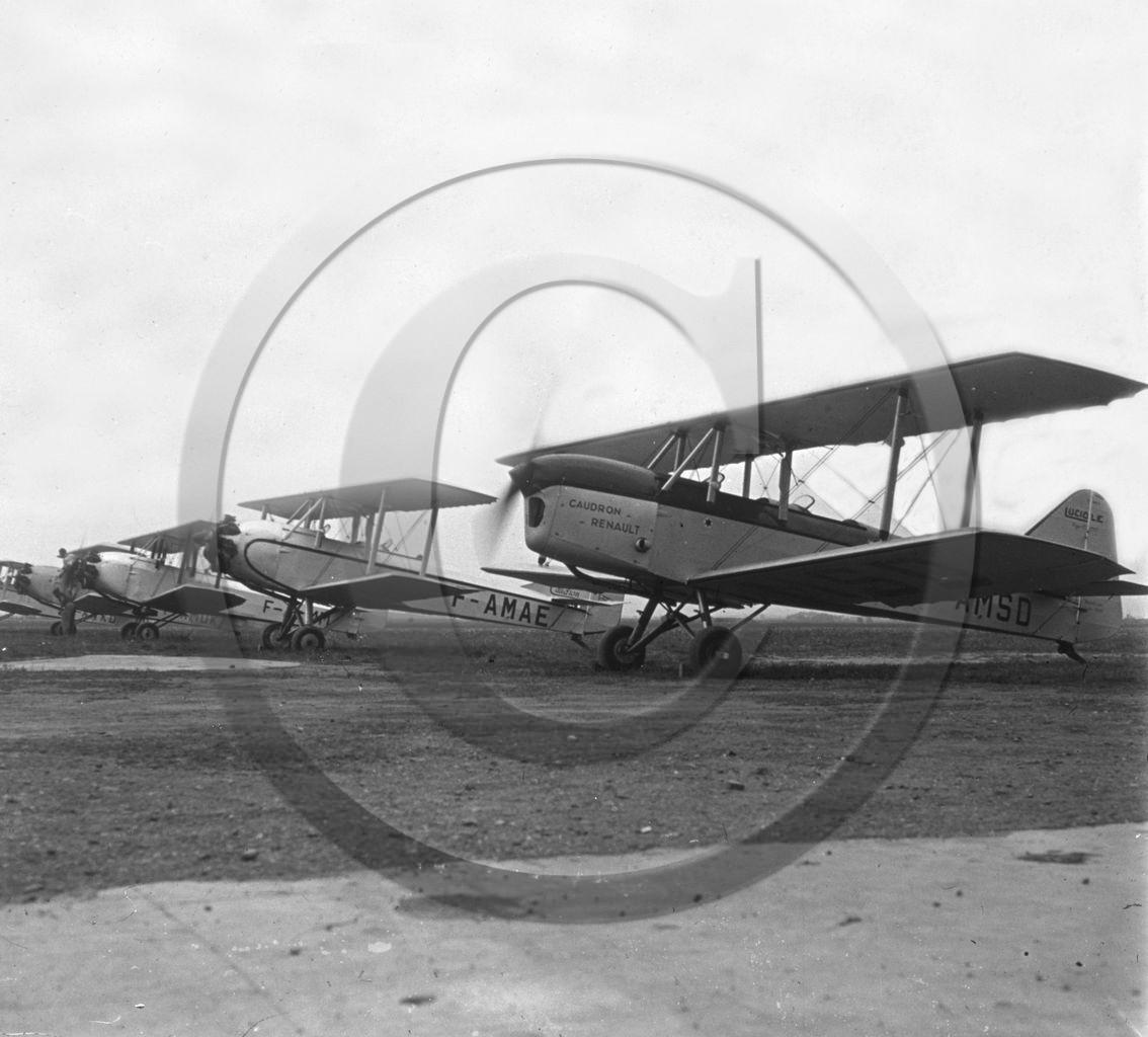 Avi 216 caudron luciole 8 juin 1935 maison blanche alger jpg
