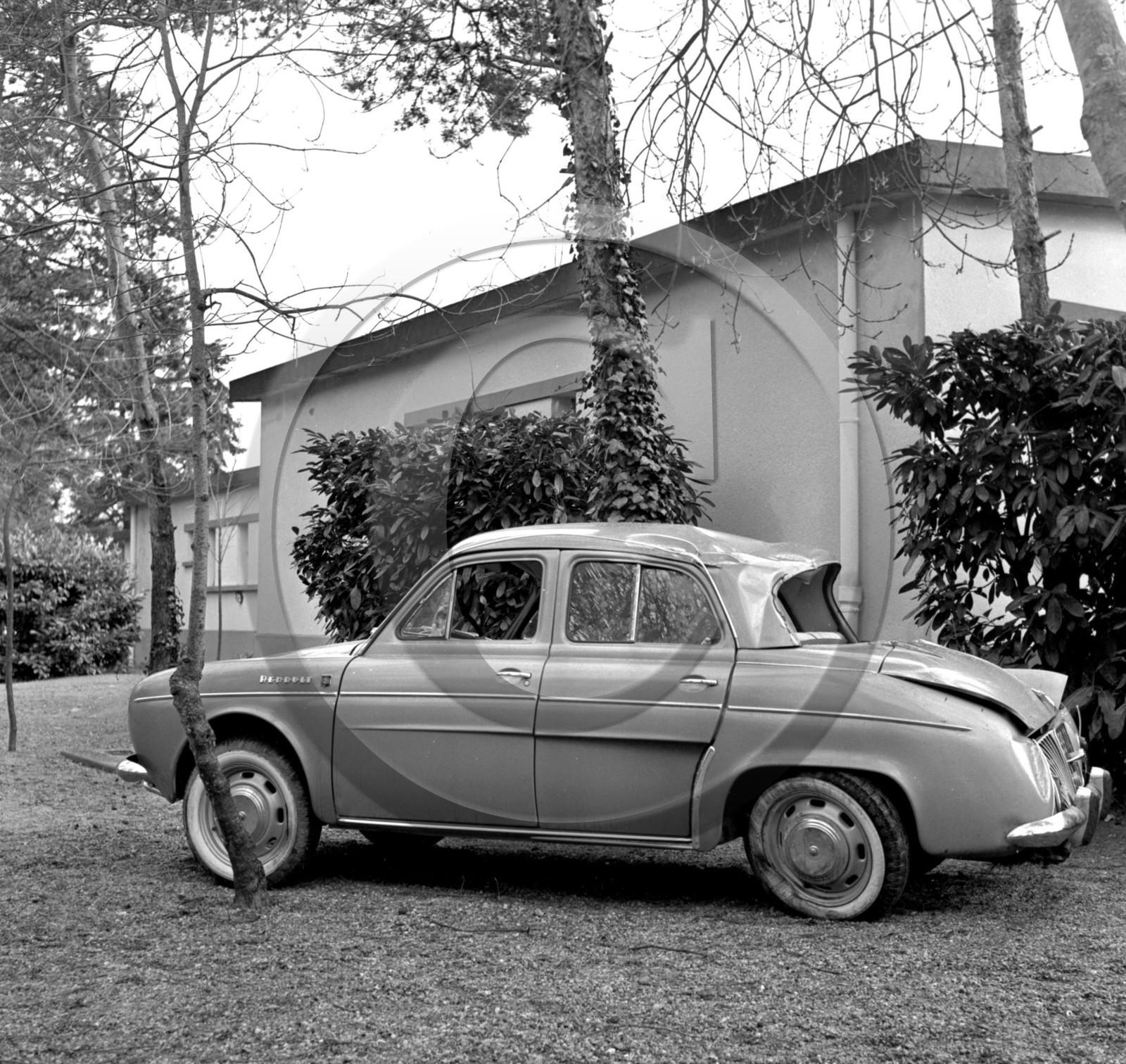 Renault Gordini: AU 2589 Renault Dauphine Gordini .jpg